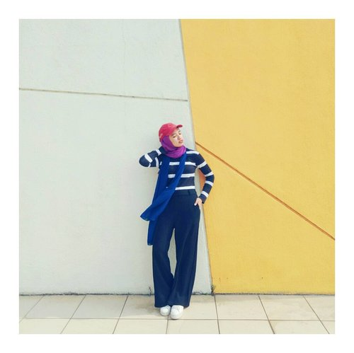when the wind blows~  #stripeshirt #Clozetteid #whatwelike #hijabchic #abmlifeiscolorful #abmhappylife #starclozetter #ootdindo #currentmood #chictopia