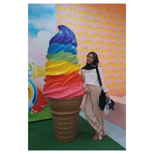 'Libur adalah kata kerja' - @yajugaya  Because world is not as sweet as ice cream and you should work you ass off to get what you want.  But is it really what you need?  #nidh #lyfe #bhfyp #justmy50cents #blah #vsco #clozetteid