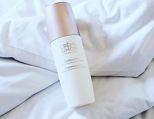 Keren banget nih CREME SIMON Dermo-Hydrating Toner Mist, bisa buat wajah dan rambut. Khasiatnya bisa buat moisturizing kulit wajah,  hydrating mist untuk rambut kering, make up setting spray dan mengurangi kemerahan di wajah. Wanginya juga nenangin banget. Multifungsi banget kan 😊 #Clozetteid #CremeSimonxClozetteIDReview #ClozetteIDReview @clozetteid @cremesimonid
