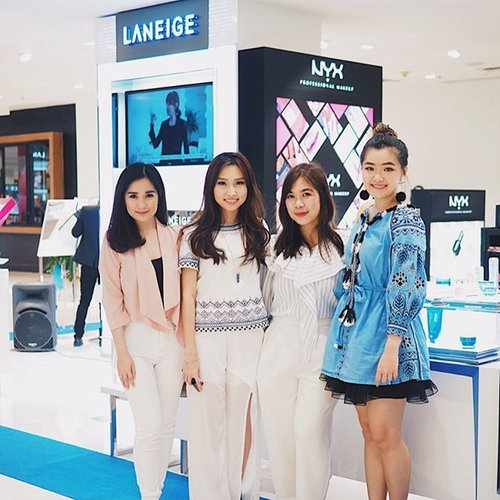 Congratulations for @laneigeid for new face counter at Sogo Tunjungan Plaze 4 Surabaya.  _ Don't forget to stop by and try their new product Two Tone Shadow Bar and Two Tone Lip Tint Bar. _ Fyi, Laneige water bank series is my everyday skin care. Wanna more!m? Don't hesitate to ask me.  _ Thank you @laneigeid and @haniprmt for inviting me. Can't wait for the next event.  _ #clozetteid #clozetteambassador #laneigeid #laneigesurabaya #surabayabeautyevent #beautyevent #koreaskincare #laneige