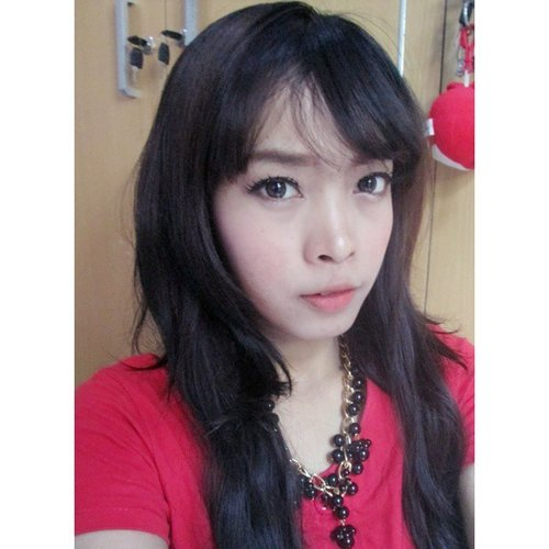 Wearing new lenses from #klenspop , review soon on my blog :)😘😍😍 wajah pakai bb cream Nuface dan blush on face on face blooming rose ^^ #fotd #potd #clozetteid #fotdibb #selfie #selca #asian #girls #beautyblogger #beauty #instabeauty #indonesianbeautyblogger