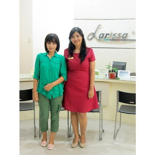 bersama mbak Lastri, branch manager Larissa Aesthetic Center Jl. Gajah Mada, Solo ♡ #throwback #clozetteid #clozettedaily #beautyblogger #skincare #larissasolo #larissaskincare #larissaaestheticcenter #larissa