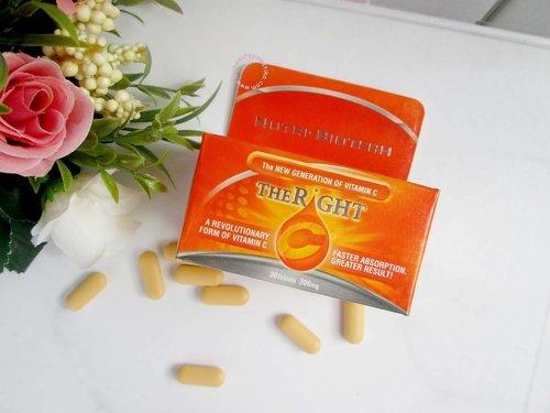 Penting menjaga kecukupan vitamin C untuk kesehatan kita. Tubuh yang sehat dan segar juga membuat kita merasa cantik. Nah, beberapa waktu terakhir aku baru konsumsi Nutri Biotech The Right C, jadi kandungan vitamin C produk ini dapat melakukan penyerapan 4x lebih cepat dari vitamin C biasa.  Review lengkap on my blog : http://www.mybeautypinastika.com/2016/12/nutri-biotech-right-c.html  Nutri Biotech The Righ C dan produk vitamin atau kesehatan lainnya bisa di beli di @sociovit lho. #clozettedaily #clozetteid #blogger #beautyblogger #bblogger #vitamin #beauty #sociollablogger #sociovit #therightc