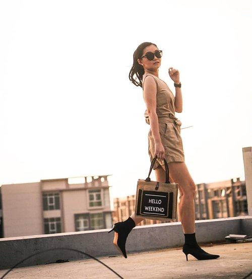 Hello weekend with @eaunatural.id ❤️❤️How's your weekend??📸 @dickyagungsaputra terlalu bagus dick!!! 👍👍 ...#bloggerindonesia #lookbookindonesia #beautyguru #beautyvlogger #beautyblogger #clozetteid #bloggerstyle #fashionblogger #fashionstylea #fashionindo #indonesianbeautyblogger #indonesian_blogger #indonesiabeautyblogger #youtubeasia #youtuberindonesia #clozetteambassador #weekend #weekendvibes
