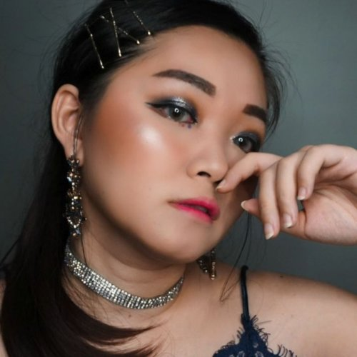 """<div class=""""photoCaption"""">Another tutorial d sela2 pamer cushion @superfacestudio @hicharis_official Kath pny another SUPERPROMO with SUPER PRICE!!!<a href=""""https://hicharis.net/Katherinlaks/dJqPricenya"""" class=""""pink-url""""  target=""""_blank""""  rel=""""nofollow"""" title=""""https://hicharis.net/Katherinlaks/dJqPricenya"""">https://hicharis.net/Katherinlaks/dJqPricenya</a> tgl 399rb! Free shipping!!!Cek stories kath buat tgl swipe up. ..Product used@aestura.official cleansing water@herabeauty_official magic starterSUPER CUSHION SHADE LIGHT No need concealer anymore@blpbeauty loose powder@thefaceshopid oil clear blottingPshycians formula butter bronzerBisa dbeli di @explicitcloset kalau yg mau readyH&m contour@morphebrushes blush palette@nyxcosmetics_indonesia eye brow  <a class=""""pink-url"""" target=""""_blank"""" href=""""http://m.clozette.co.id/search/query?term=nyxcosmeticsholygrail&siteseach=Submit"""">#nyxcosmeticsholygrail</a> in excelso@blpbeauty brow powder@focallurebeauty @focallure we care your favor palette@ultimaii_id oceanic palette@colourpopcosmetics super shock shadow sleigh@witchspouch_official from @altheakorea fix pigment 04 push star@eclatpressedglitter capsule glitter set@maybelline  <a class=""""pink-url"""" target=""""_blank"""" href=""""http://m.clozette.co.id/search/query?term=maybellineid&siteseach=Submit"""">#maybellineid</a> hypersharp wing liner@chupachupsid glitter eyes silver@laneigeid gloss stained no 7@mokomoko_id lipstick hot pink@sorchacosmetic highlighter in bali kissSoftlense from @x2softlens .... <a class=""""pink-url"""" target=""""_blank"""" href=""""http://m.clozette.co.id/search/query?term=charisceleb&siteseach=Submit"""">#charisceleb</a>  <a class=""""pink-url"""" target=""""_blank"""" href=""""http://m.clozette.co.id/search/query?term=tampilcantik&siteseach=Submit"""">#tampilcantik</a>  <a class=""""pink-url"""" target=""""_blank"""" href=""""http://m.clozette.co.id/search/query?term=inspirasicantikmu&siteseach=Submit"""">#inspirasicantikmu</a>  <a class=""""pink-url"""" target=""""_blank"""" href=""""http://m.clozette.co.id/search/query?term"""