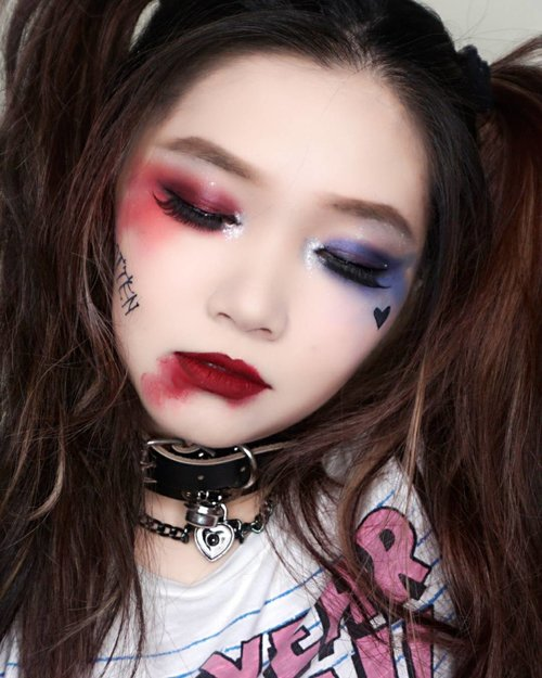 Thank you for the support all!#harleyquinnmakeup inspired tutorial already UP in my youtube channel. 😊😄 What I usedBase🎃 Etude House Face blur Primer🎃 Amaranthine Indonesia luminous glow foundation🎃 Etude house Stay Up Foundation in Pure🎃 Custom Mixing palette from @shopbytiramisu_id🎃 Colourpop sculpting stick in RELEVE highlight🎃 Colourpop sculpting stick in NEW RENNEISANCE contour🎃 RCMA no color powder🎃 Nyxcosmetics contour pro paletteEYES🎃 Nyxcosmetics Jumbo Eye Pencil in Rust🎃 Maybelline color tatto in White🎃 Morphe 35B palette🎃 NYX tres Jolie Black eyeliner🎃 Wardah Beauty opium Black eyeliner🎃 Colourpop Eyebrow pencil🎃 inner corner Witch Pouch metal eyeshadow from AltheaLiPS🎃 Colourpop matte liquid 🎃 Zoya Cosmetics lip paint in baked apple#harleyquinn #suicidesquad #nyx #maybellineindonesia #bloggerindonesia #lookbookindonesia #beautyguru #beautyvlogger #beautyblogger #clozetteid #bloggerstyle #fashionblogger #fashionstyle #fashionindo #instabeauty #indonesianbeautyblogger #indonesian_blogger #indonesiabeautyblogger #youtuber #youtubeasia #youtuberindonesia #muasurabaya #makeupartistsurabaya #makeupindonesia #brandindonesia #beautyindonesia #indobeautygram #stylehaul