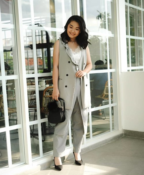 Gray is other black!Top and pants from @label8store Tak a shoot at @kampihotels Congratulation for grand opening!...📸 @wulanwu#bloggerindonesia #lookbookindonesia #beautyguru #beautyvlogger #beautyblogger #clozetteid #bloggerstyle #fashionblogger #fashionstylea #fashionindo #indonesianbeautyblogger #indonesian_blogger #indonesiabeautyblogger #youtubeasia #youtuberindonesia #clozetteambassador #beautyindonesia #indobeautygram#stylehaul #cgstreetstyle #ggreptrend #ggrep #ootd #zalorastyleedit