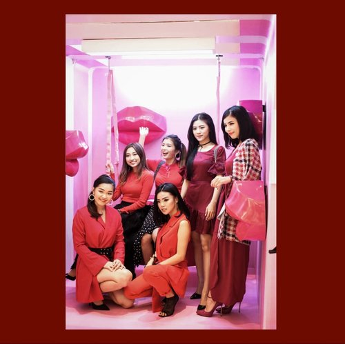 My red vibes!!! My gurls!!! . . . . #bloggerindonesia #lookbookindonesia #beautyguru #beautyvlogger #beautyblogger #clozetteid #bloggerstyle #fashionblogger #fashionstylea #fashionindo #indonesianbeautyblogger #indonesian_blogger #indonesiabeautyblogger #youtubeasia #youtuberindonesia #clozetteambassador #beautyindonesia #indobeautygram#stylehaul #cgstreetstyle #ggreptrend #ggrep #ootd #luminousbeauty #unleashyourbeauty #laneigexglitzmediaco
