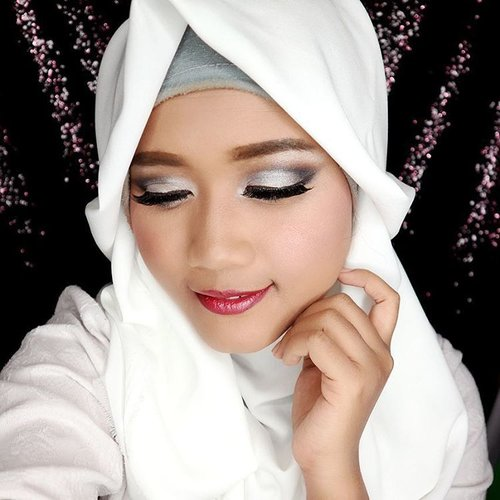 Hi!! Get this look by following my current tutorial on youtube.  Link in my bio.  https://youtu.be/rba6kojFABM  All product using only @wnwcosmetics Thank you @bloggerceriaid  #bloggerceriaxwetnwildindonesia  #makeup #eyemakeup #eotd #eyesoftheday #makeupartist #makeupartistworldwide #vegas_nay #hudabeauty #beautynesiamember #beautybloggerid #beautyblogger #bloggerceriaid #muajakarta #muajkt #yukalicious15 #clozetteid #wetnwild #bloggerceriaxwetnwildindonesia #glammakeup #makeuptutorial