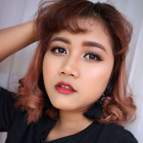 Hello!! Good Morning 🌞  #makeupideas  #makeup #beautybloggerindonesia  #asiangirls #javanesegirl #indobeautygram  #undiscoveredmuas #wakeupandmakeup #makeupartistsworldwide  #tampilcantik #kbbvfeautured  #clozetteid #yukalicious15