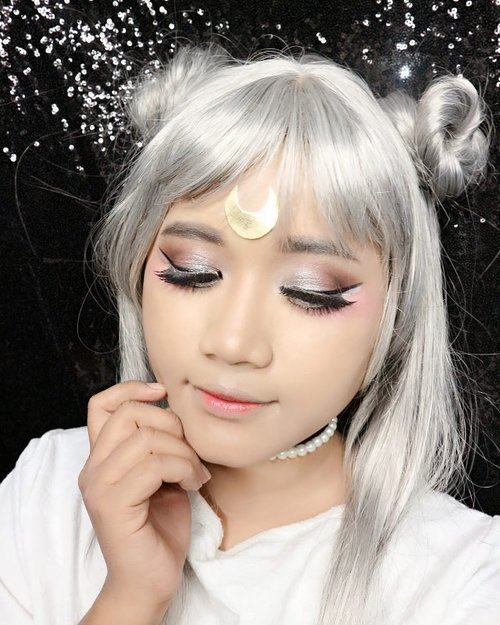 Another detail of my makeup looks. Inspired by Neo Queen Serenity. I am using @shuuemuraid #coloratelier eyeshadow in Medium Brown 875, Medium gray 960, Black M 990, G Silver, and their lovely matte eyeshadow in Ume Pink 145.  I join #coloratelierchallenge #mycoloratelier by #shuuemuraid  Wish me luck ~  #mymakeup #makeup #makeupcosplay #costest  #princessserenity #sailormoon #beautyblogger #clozetteid #clozetteidgirl