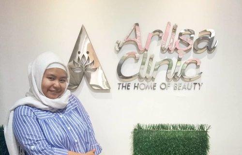 Seru nih ada @arlisaclinic deket banget sama rumah Mama 😍😍 dan ternyata mereka nawarin 1000 facial gratis sampai tanggal 20 Oktober! 😍😍😍 Yuk yuk kesini. Lokasinya di deretan ruko belakang McD Lodaya ya ❤ . ------- . #arlisaclinic #clozetteid #clozettedaily #hijab #hijabdaily #bogor #klinikkecantikanbogor
