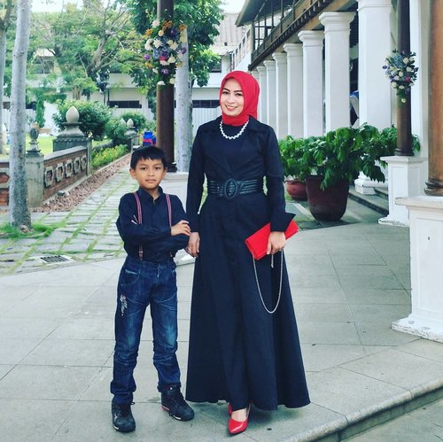 Black n Red by mom & son  #clozetteid #ootd #hijabersindonesia #hijabootd #fashionlife #fashionblogger