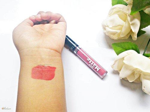 Karena kemaren nyari gincu matte f2f nggak dapet-dapet, akhirnya malah nemu gincu barunya Silkygirl 😂😂 warnanya manis peach, campuran warna orens sama pink. Teksturnya liquid, tapi nge-set jadi mattenya lumayan lama dan mungkin ini bisa dibilang kayak moisturising matte lipcream kali yaak, jadi ga bikin bibir keringg 💃💋 . . #silkygirl #clozetteid #lipcream #lipstick #peach #lipstikmurah #afordable 🙌🙌🙌🙌🙌