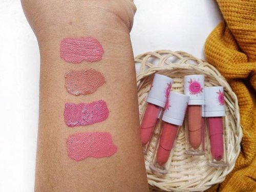 Ini nih, yang aku bilang soal warna-warni @mustikaputeriid Lips Licious Lip Cream Matte feat Nanda Arsyinta yang terlihat fresh 🙌🙌 pilih mana cobaaa~  01. Cotton Candy, 02 Caramel Apple, 03 Pink Lollypop, 04 Soda Pop . . #MustikaPuteri #PuteriIcon2017 #MyLipslicious #VibesGeneration #kbbvxMPLiplicious #kbbvblogcompetition #clozetteid