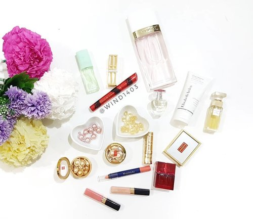 Beauty is not in the face, beauty is a light in the heart - Kahlil Gibran, happy sunday all 😍#clozetteID #makeupjunkies #makeupcollections #makeuphoarder #parfumecollector #collectorparfum #elizabethardenparfume #elizabetharden