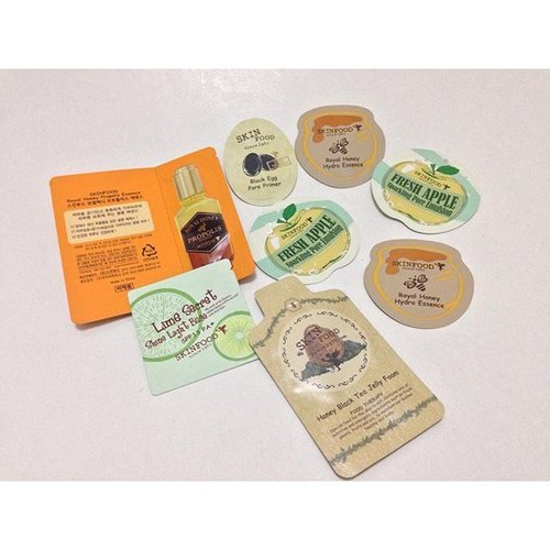 Skinfood sample pack IDR 50.000- 1. Royal honey propolis essence  2. Honey black tea jelly foam 3. Lime secret shine light base 4. Black egg pore primer 5. Royal honey hydro essence 2 pcs 7. Fresh apple sparkling pore emulsion 2 pcs  #SkinFood #KoreanSkinCare #SampleSale #JualSample #BlogSale #ClozetteID #instabeauty #indonesiablogger #indonesiabeautyblogger #bloggerBDG #bloggerlife #bloggerbandung #bloggerindonesia #beautyblog #beautyblogger #beautybloggers #beautybloggerbandung #beautybloggerindonesia #bblogger #bbloggers #bbloggerslife