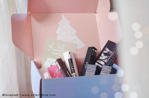 😍 HEAVEN!! Thanks @altheakorea and @clozetteid . . #Clozette #Clozetteid #beauty #makeup #AltheaReview #ClozetteIDReview #Althea #BeautyBox #AltheaBeautyBox #HolidayBox #Unboxing #BloggerReview #Bbloggers #KBeauty #KoreanBeauty #InstaBeauty #InstaMakeup #DASistersBlog #MattLip #Matte #Dreamy #bokeh