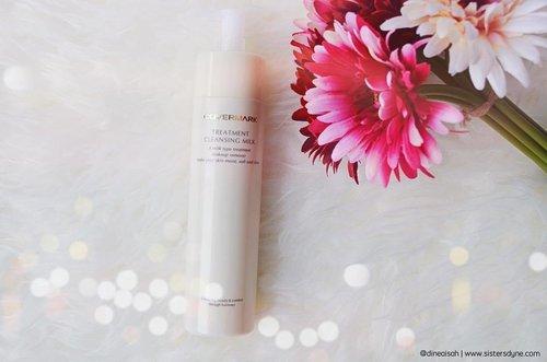 Sudah baca review terbaru kita tentang @covermark_id cleansing milk?? Cleansing nomor satu yang kandungannya tersapat serum, penasaran kan?  Check www.sistersdyne.com untuk review detailnya atau click link bio yaaaa.. #Clozette #Clozetteid #beauty #cosmetika #skincare #makeup #serum #cleansingmilk #Covermark #Covermarkid #review #bbloggers #beautybloggerid #instabeauty #instaskincare #japanproducts