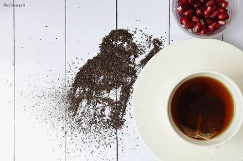 Sore ini sudah minum slimming tea juga belum?? Kalau saya sudah, karena saya minum 2x sehari dipagi hari dan sore hari setelah makan atau diminum bersamaan selagi makan (cek review lengkap tentang slimming tea @mustikaratuind  ini dan bagaimana cara menghitung berat badan ideal menurut IBM di www.sistersdyne.com)  #Clozette  #Clozetteid #Beauty #Bodytreatment #Slimmingtea #Mustikaratu #daunsirsak #tehherbal #jamu #indonesia #obesitas #instabeauty #Bbloggers #beautybloggerid #Dasistersblog #beratbadan #beratbadanideal #menghitung #Indexbodymess #IBM