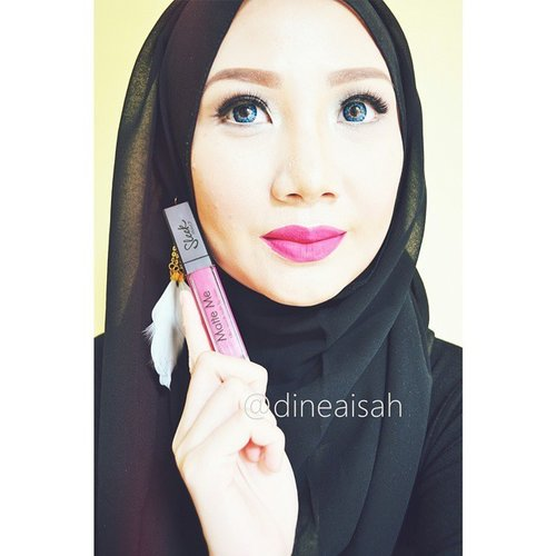 hi girls .. goodnight .. alone at home? calm, take your makeup tools^^Lip cream using Matte Me - Fandango Purple from @sleekmakeup | Fakeeyelahses using Super Full from @deyekoid | Pencil Eyebrow brown using @wardahbeauty | Eyeliner Using Sharp liner from @maybellineina | Concealer using @makeoverid | Deep Countour and Highlight Toast and Natural using @lagirlcosmetics | Eyeshadow Smokey Pallete from @sephoraidnAnd dont forget click new review on our blog sistersdyne.blogspot.com#Clozette #ClozetteID #Beauty #Makeup #FOTD #Hijab #BlackHijab#sleekmakeupindonesia #SleekMakeup #SleekMakeupCosmetic #SleekMakeupLovers #Lipcream #Lips  #Lippie #FandangoPurple #MatteMe #DASistersblog #DASisters #Fotdibb #indonesiabeautyblogger #BeutyBloggerIndonesia #BeuautyBlogger #BeautyBloggers #BBloggers #BBloggerID #BeautiesID #BeautyInstagram #BeautyInsta