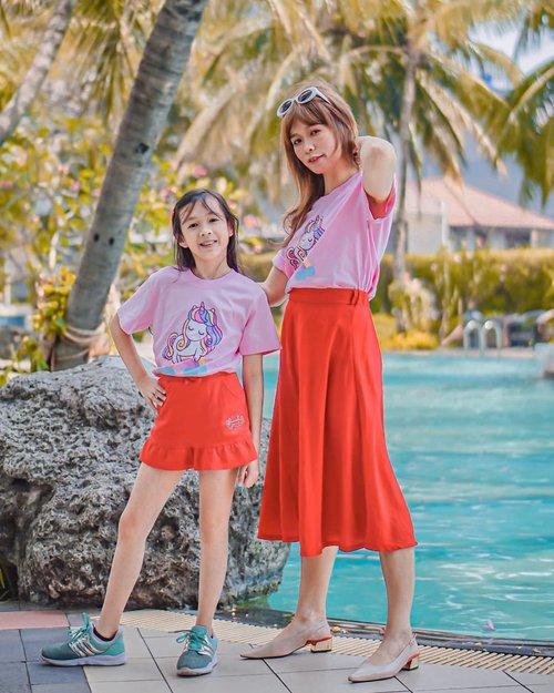 Twinning with this little girl @astoryofglowynmike  Our cute #customkaos #kaosunicorn @skylist.id  #GlowliciousMe 🌏www.Glowlicious.Me __🌷🌷🌷__  #momsmingleid #clozetteid #mamaanddaugther #bloggerindonesia #lookbookindonesia #beblessed #yourtravelvoice#bloggerjakarta  #quotesindo #indonesianbeauty #instahunt  #refreshthesoul #clozetteid #sociollablogger #kaosunicornlucu #fashiondiaries #bloggerlife #bloggingcommunity #keluarbentar #indtravel #ootdindo #lookbookindo #twinningwithmom