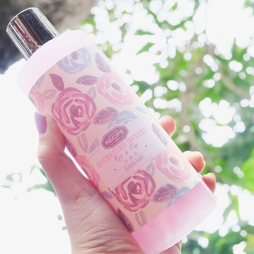 It's Bubble Bath time *blubup blubup* 🛀🏼💆🏻💕 #clozette #clozetteid #clozettedaily #beauty #skincare #rose #skincare