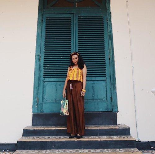 Aku ingin tamasya, bekeliling-keliling desa, sambil melihat-lihat... (lanjutin sendiri ya) 😂 . #ootd #clozetteid #fashion