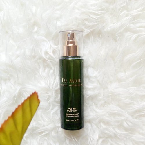 Did you know, bamboo has so many benefits for your skin? 🌿 . It's @damior_official Face Mist with Bamboo extract. It can be used for many purposes like hydrate your skin, calming your skin, makes your makeup last longer, even becomes your face mask💆🏻 It has reaaally soft spraying power so it easily absorbs to your skin. I really love the scent. It reminds me of... forest? Seriously, it's makes myself and my skin are so calm 💜 and because of it contains so many natural ingredients, it suits for your sensitive, dry, or even your acne skin 😍 . Have you try Da Mior Face Mist with Bamboo Extract? You can grab it on my @charis_official store on hicharis.net/aidacht 😉 . . . #charis #charisceleb #charisofficial #damior #damiorfacemist #aidacht #clozetteid #facemist #skincare #makeupspray #settingspray #review #bloggers #beautybloggerindonesia #beautybloggers