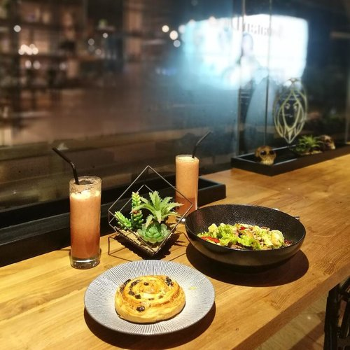 The best nights are usually unplanned.. random.. and spontaneous.. . . . . #clozetteid #dinnertime #lightmeals #dinnerdate #lifestyle #sofiadewiculinarydiary