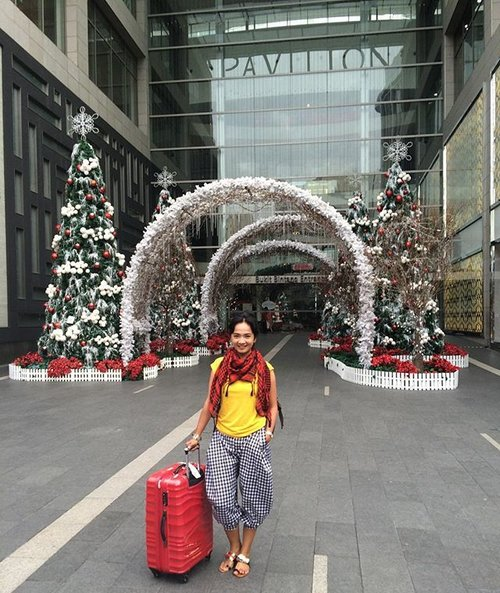 Touch of Red ❤️ KL day 2.. let's get another experience today.. #sofiadewitraveldiary #visitmalaysia2015 #ootd #clozette #clozetteid #workliday #touchofred #fashionid #fashionstreetstyle