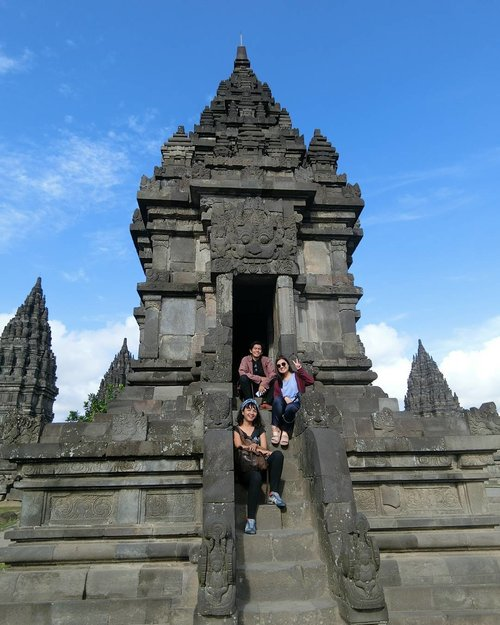 Our short getaway to Jogja.. we really had fun and it's full of inspiration .. thank you, Prambanan Temple .. . . . . . . . Designers also need a short escape between the deadline 😂😂 last minute decission.. 4 hours in the morning.. 6-10am 😎 control.. alt.. del.. refreshed!  #clozetteid #lifestyle #travelling #shortgetaway #shortescape #prambanan #designersquad #yogyakarta #jawatengah #prambanantour #sofiadewitraveldiary . . . 📸 By my forever travelmate : casio exilim TR60