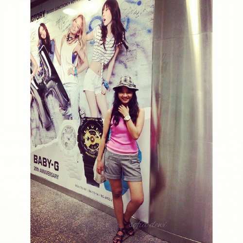 Am here, am here @tomcoolbiz :'D  Went to bugis and pose with GG *lol* I saw G-factory upstairs full of customers haha.. welldone!! #casiogirl #casioidgirl #OOTD #casioootd #clozetteID @clozetteid #clozettegirl #clozetteambassador #funyourself