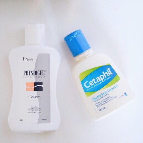 These are my two fave cleanser. Can be used for face and body. But I only use it to my face, at night. #Physiogel and #Cetaphil are well known #drugstore brands for hypoallergenic and sensitive skin. These cleanser are non-comedogenic, fragrance free, and soap free. I love it! 💕   Of course I do not use it at the same time. 😁 I buy one of them depending on the availability of stock in the store where I bought. . . . #facecleanser #cleanser #soapfree #noncomedogenic #hypoallergenic #sensitiveskin #beautytips #clozetteid #skincare #skincaretips #healthyskin #dailyskincare #dailyroutine