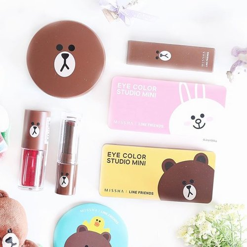 I just can't resist the cuteness of this #MisshaXLineFriends collection. Check out my review and swatches of the eyeshadow palette at bit.ly/lineeyeshadow (link is on bio). Everyone who love Cony & Brown, don't miss it 😘😁 . . #JeanMilkaDotCom #line #lineofficial #linefriends #missha #misshaxline #misshaxlinefriendsedition #misshamakeup #cony #brown #beauty #makeup #flatlays #beautyblog #clozetteid