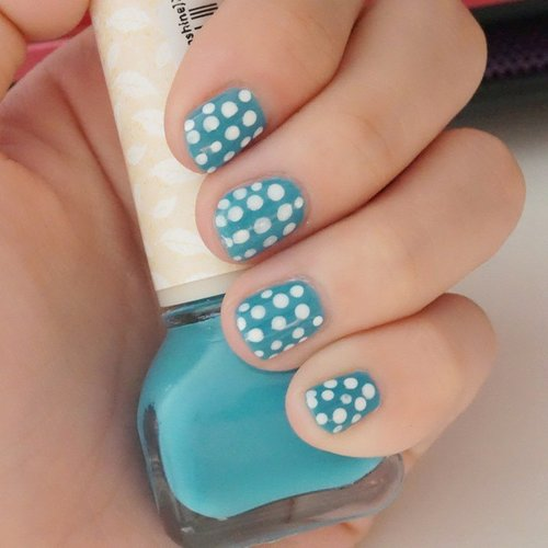 People come and go.. time will tell you  who is worth  it to keep... who is not.. Nail polish by @beyondind  #nailart #nailpolish #beyond #beyondind #beyondid #nail  #kuteksjunkie  #kuteksjunkies  #notd #simplenailart #polkadotnail #blue #indonesianbeautyblogger #beautyblogger #beautyaddict #indonesianblogger  #clozetteid