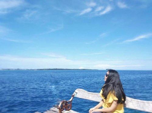 The feel of somewhat, rootedness. . . . . . . . . . . . #instadaily #insta #instagram #instalike #instatravel #vitrietraveldiary #clozetteid #bloggerid #lifestyleblogger #travelblogger #seabreeze #vitaminsea #ocean #islandlyfe #islandhopping