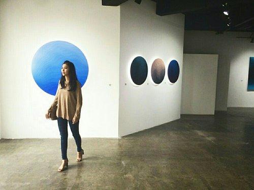 walk through art  #casual #weekend #ootd #oversized #sweater