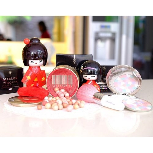 Guerlain for sale  1. Guerlain meteorites perles d'etoile (LE) IDR 850k 2. Guerlain pink meteorites brush IDR 375k 3. Guerlain meteorites illuminating pressed powder 01 mythic (REFILL) IDR 615k  please follow  @lollipop_id @lollipop_id @lollipop_id @lollipop_id  #guerlain #jualkosmetik #murah #olshopindonesia #authentic #makeupori #original #trustedolshop #trustedonlineshop #makeupbranded #femaledaily #clozette #clozetteid #jualankak #shareinjar #cosmetic