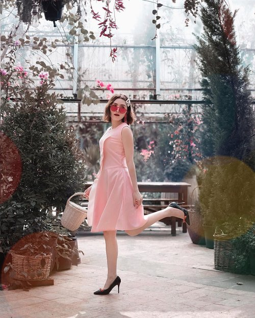 Pink side of life is sweeter with @marienfrisco dress 💕 . . #Ootd #ootdfashion #ootdinspo #ootdideas #ootdindo #ootdindokece #ootdinspiration #ootdindonesia #indobeauty #indofashion #indofashionpedia #indofashionpeople #jakartaspot #jakartahits #ootdjakarta #jakartabeauty #indofashionblogger #clozetteid #lookbooks #lookbooklookbook #lookbookindonesia