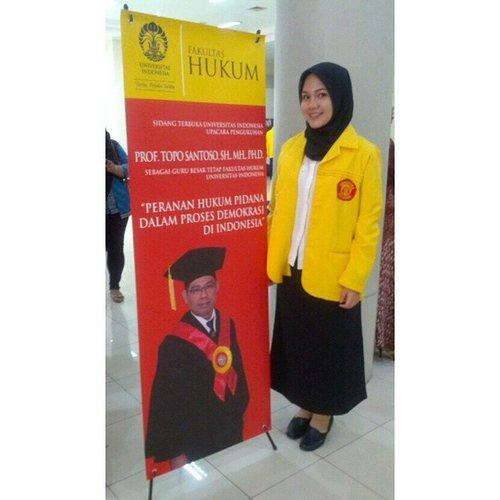 Today's duty, protokoler pengukuhan Prof. Topo Santoso, SH., MH., PH.D. sebagai guru besar tetap Fakultas Hukum UI #lawschool #lawstudent #UI #FHUI #ootd #jakun #jaketkuning #makaramerah #UniversitasIndonesia #clozetteID