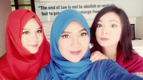 Mengeksplor fitur2 si #selfieexpert #OppoF1 ganyangka bisa kaya boneka gini hahaha #oppof1selfieexpert #selfiediary #beautyblogger #wefie #indonesianfemalebloggers #opponesia #oppocameraphone #oppocameraisawesome #clozetteid