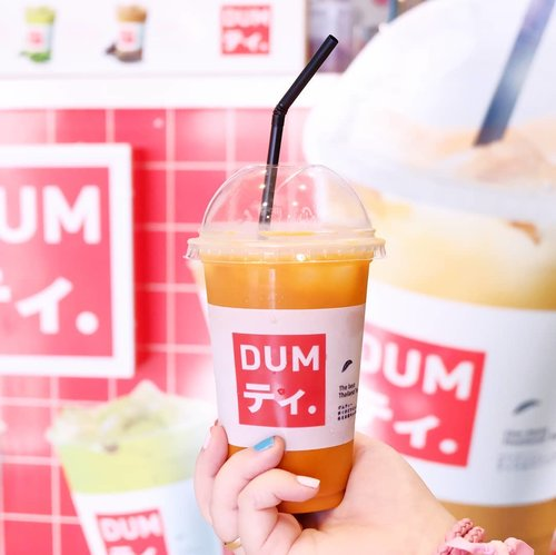 There's no better way to quench your thirst than with our yummy Thai tea 😛  Only 10k for original Thai Tea!  #dum #dumsurabaya #drinkdum #dumthaitea #dumthaiteasurabaya #sparklinghostel #surabaya #thaiteastall  #clozetteid #beautynesiamember #sbybeautyblogger #bloggerceria #lifestyle #thaitea #thaiteasurabaya #thaiteamurah #cooldrinks  #lifestyleblogger #influencer #drink #beverage #instadrink #icedtea #tea #coldicedtea #originalthaitea #minuman #minumanmurah #minumansegar #yummydrink