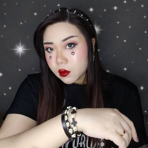 Seriously had too much fun doing this EGirl look, and I like how the pics turned out too so please excuse the amount of pic I decided to post 🤣.  You can check the details of the makeup too.  Btw I am currently obsessed with those dangly, connecting earrings (i don't know if they have a name?), I think I want to collect some now...   Fun fact : I have 6 pearcings on my ears because I may look fluffy n sweet now (or at least I try to be 🤣), but I was once a rebellious teenager too!   PS : I used 2 different lip tints and added gloss to create the deep, dark but juicy lips, before anyone asks.  #egirlaesthetic #egirl #egirlmakeup #black #BeauteFemmeCommunity  #thematiclook #thematicmakeup  #sbybeautyblogger #makeup #ilovemakeup #clozetteid #sbybeautyblogger #bloggerceria #beautynesiamember #bloggerperempuan #indonesianfemalebloggers #girl #asian  #bblogger #bbloggerid #influencer #influencersurabaya #influencerindonesia #beautyinfluencer #surabayainfluencer #jakartabeautyblogger #SURABAYABEAUTYBLOGGER #makeuplook #socobeautynetwork #startwithSBN