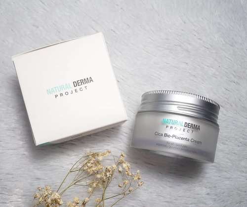 For when your skin needs more than just a regular moosturizer... Check out my review on @naturaldermaproject.official Cica Bio-Placenta Cream at http://bit.ly/cicabioplacenta .  If you are interested in it, you can purchase it with special price at my Charis Shop : http://bit.ly/cicabioplacentaMgirl (or you can click the link on my bio for mu full list of Charis shop). #naturaldermaproject #cicabioplacentacream #charis #charisceleb #recoverycream #curecream #review #clozetteid #sbybeautyblogger #bloggerindonesia #bloggerceria #beautynesiamember #influencer #beautyinfluencer #kbeauty #koreanbrand #koreanbeauty #koreancosmetics #koreanskincare #surabayablogger #SurabayaBeautyBlogger #bbloggerid #beautybloggerid #beautybloggerindonesia #surabayainfluencer #bloggerperempuan #skincare #skincarereview #bioplacenta #bioplacentacream