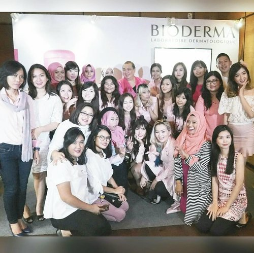 So much fun, laughter and excitement yesterday at @bioderma_indonesia Surabaya Launch event! I will be telling you all about it in detail on my blog 😊 so stay tuned!  #biodermainsby #biodermaxguardian #sbbxbioderma #event #beautyevent #surabaya #surabayaevent #eventsurabaya #bioderma #domicile #blogger #bbloggerid #beautyblogger #sbybeautyblogger #indonesianblogger #indonesianbeautyblogger #surabayablogger #surabayabeautyschool #clozetteid #clozettedaily #allaboutbeauty #biodermaindonesia #bloggevent #launching #launchingevent #pink #touchofpink #beauty