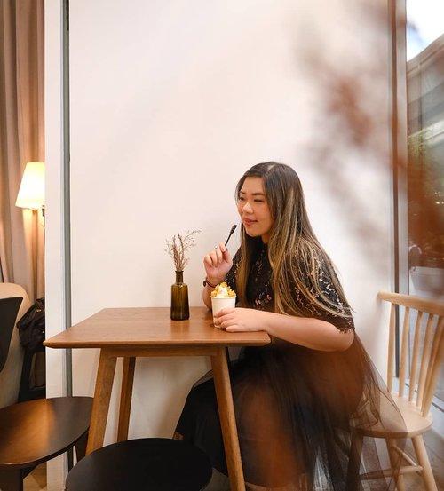 I think imma mandi kembang. Need to get rid of all eek ayam juju from my life... #hostxamber #cafebangkok #bangkokcafe #bangkok#pinkinthailand #clozetteid #sbybeautyblogger #beautynesiamember #bloggerceria #influencer #jalanjalan #wanderlust #blogger #indonesianblogger #surabayablogger #travelblogger  #indonesianbeautyblogger #indonesiantravelblogger #girl #surabayainfluencer #travel #trip #pinkjalanjalan #bloggerperempuan  #asian  #ootd #ootdid #thailand #bunniesjalanjalan #pinkinbangkok