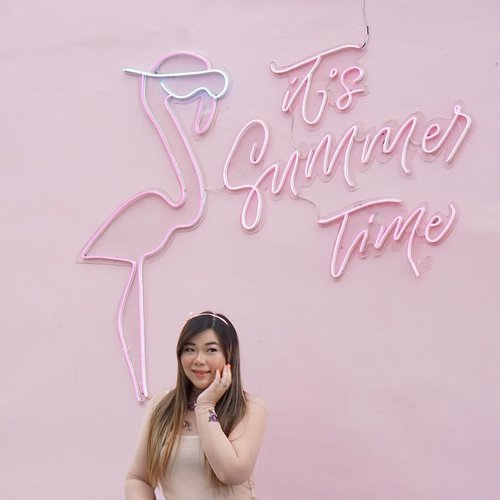 What is your fave season?Mine is actually fall. Which is a bummer since i live in a tropical country where you only get summer or draught season 😂. That's why i almost always travel somewhere that actually cooler during fall... #ootd #ootdid#sbybeautyblogger  #bblogger #bbloggerid #influencer #influencerindonesia #surabayainfluencer #beautyinfluencer #beautybloggerid #beautybloggerindonesia #bloggerceria #beautynesiamember  #influencersurabaya  #indonesianblogger #indonesianbeautyblogger #surabayablogger #surabayabeautyblogger  #bloggerperempuan #clozetteid #sbybeautyblogger  #girl #asian #indobeautysquad #makeup #makeuplook #notasize0 #surabayainfluencer#lumerxartotel #stealamandastyle