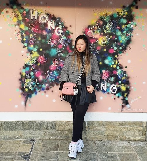 I think it's obvious that i have a thing for wings... #pinkinhongkong #lantauisland#ngongping360 #ngongping#clozetteid #sbybeautyblogger #beautynesiamember #bloggerceria #influencer #jalanjalan #wanderlust #blogger #indonesianblogger #surabayablogger #travelblogger  #indonesianbeautyblogger #indonesiantravelblogger #girl #surabayainfluencer #travel #trip #pinkjalanjalan #lifestyle #bloggerperempuan  #asian  #hongkong #hongkong🇭🇰 #ootd #ootdid #asian