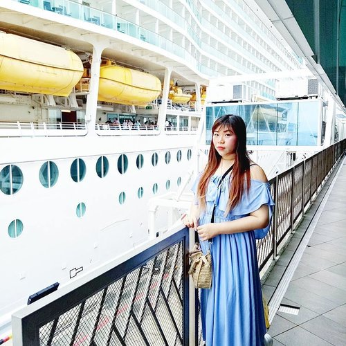 We're never to old to experience our firsts - this year we finally embark on our first cruise 😁  #cruise #royalcaribbean #royalcaribbeancruise #pinkinholiday #pinkinsingapore #blogger #trip #travel #wanderlust  #jalanjalan #itchyfeet #travelblogger #indonesianblogger #surabayablogger #indonesianlifestyleblogger #indonesiantravelblogger  #bblogger #clozetteid #beautynesiamember #sbybeautyblogger #influencer #traveltheworld  #ilovetravel  #minitrip #miniescape #singapore  #touristmodeon  #wanderlust #exploretheworld #travelblogger